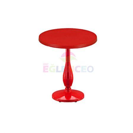 Kırmızı bistro masa