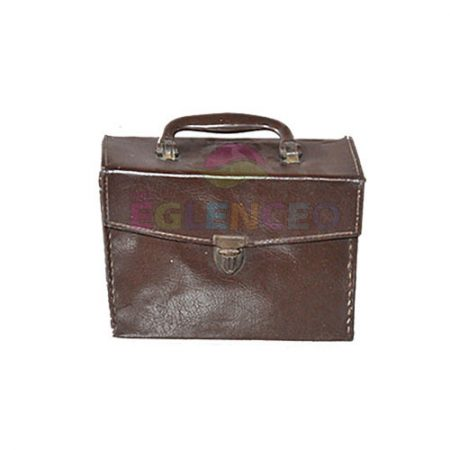 Antika sağlık çantası