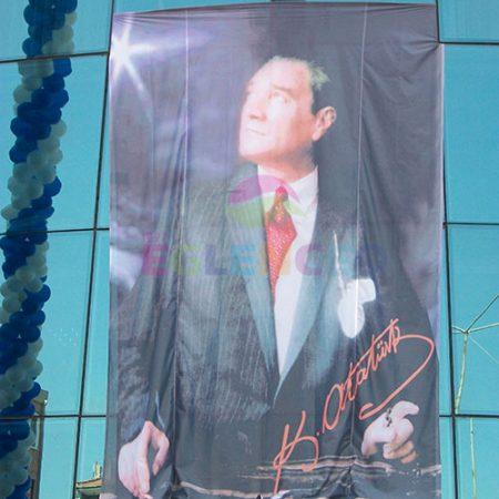 Kiralık atatürk posteri